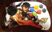 Mad Catz FightPad Street Fighter IV Ryu pour XBOX 360