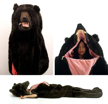 Le bar : happy hour en continu - Page 34 Outdoor-gadgets-the-sleeping-bear-2