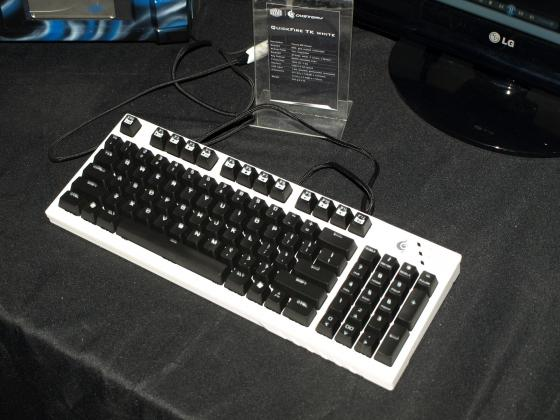 [CES 2013] Cooler Master QuickFire TK White : beau