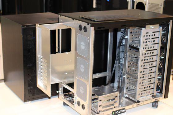 computex 2013 pc d7000 et pc d6000 lian li persiste sur le boitier double. Black Bedroom Furniture Sets. Home Design Ideas