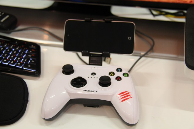 gamescom-2014 mad-catz clavier souris joystick