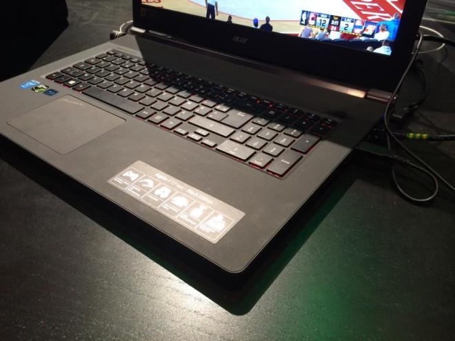 pgw 2014 acer aspire v17 le pc portable joueur de 17 3 39 39 portable gamer. Black Bedroom Furniture Sets. Home Design Ideas