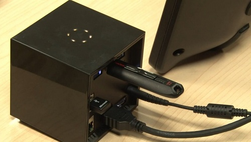 intel wireless dock ou la promesse d un bureau sans fil accessoires. Black Bedroom Furniture Sets. Home Design Ideas