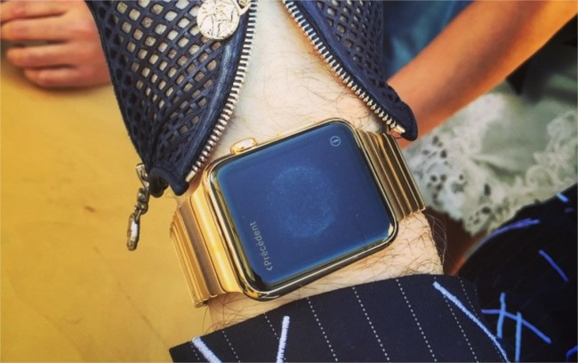 couturier karl-lagerfeld apple-watch-or