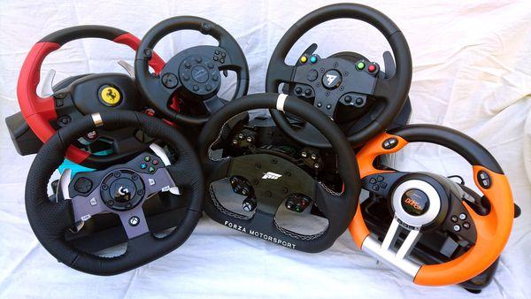 comparatif 7 volants pour les simulations de voiture accessoires. Black Bedroom Furniture Sets. Home Design Ideas