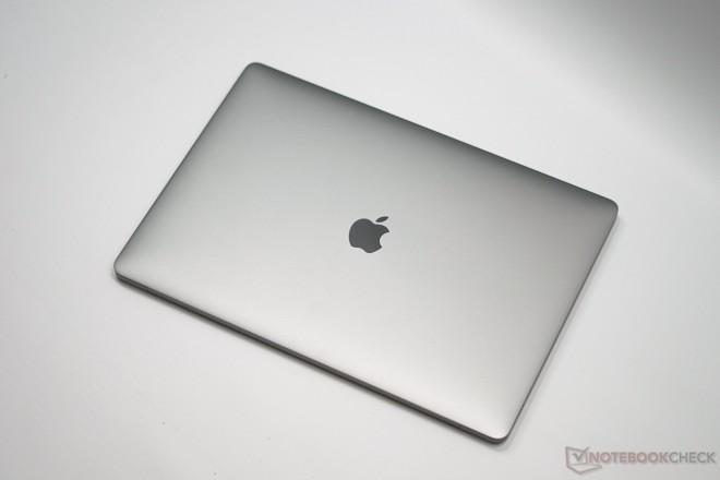 test plus fin et plus l ger que vaut le dernier apple macbook pro 15 i7 6700hq radeon pro. Black Bedroom Furniture Sets. Home Design Ideas