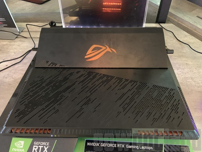 CES2019 ASUS ROG Mothership laptop-gamer