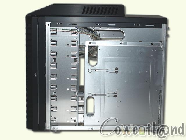 test du boitier lian li pc p60 armorsuit l 39 int rieur page 3. Black Bedroom Furniture Sets. Home Design Ideas